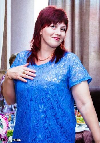 Фото. Ирина Клименко в платье из гипюра со свадьбы стершей дочери.