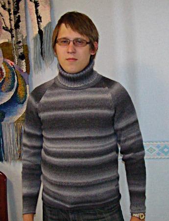 Фото. Свитер, машинное вязание.  Автор работы - ealuneva