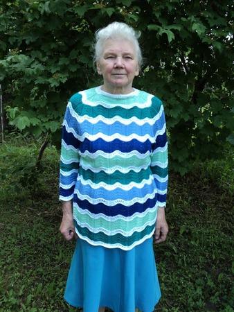 Фото. Пуловер  для мамы в подарок на её ДР.   Автор работы - RedSwet