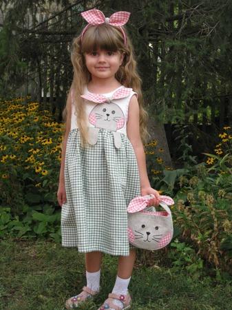 """Фото. """"Любимая зайка"""" - комплект для дочки из журнала Susanna moden №4/2015, размер на 4 года. Вышивка и аппликация - на обычной машинке."""