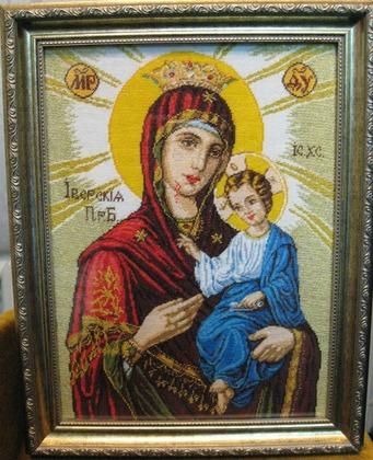 Фото. Вышитая бисером икона Богородицы. Автор работы - Selena4777