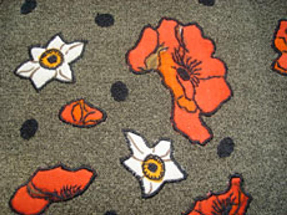 Фото 2. Увеличенный фрагмент декорированной ткани.