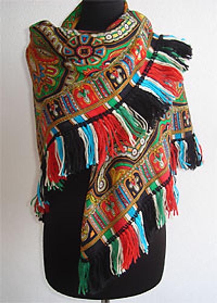 Фото 3. Декорированная павлопосадская шаль - вариант декора.