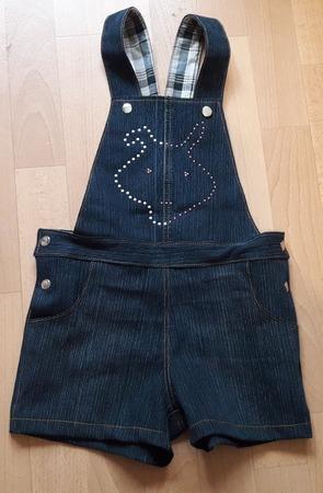Фото. Подарки крестнице на день рождения. Джинсовый полукомбез (сама попросила)  - в ход пошли джинсы младшего сына, на изнанке шотландка.