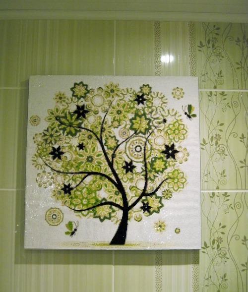 """Фото. """"Чудо-дерево"""" от """"Алмазной живописи"""", 50х50 см. Квадратные стразы, полная выкладка. Идеально сочетается с рисунком плитки в ванной. Автор работы - Itsme64"""