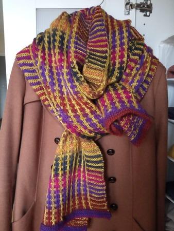 Фото. Яркий шарф к пальто.  Автор работы - Zavali