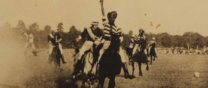 Фото. Уинстон Черчилль играет в поло в Индии, около 1895 г.