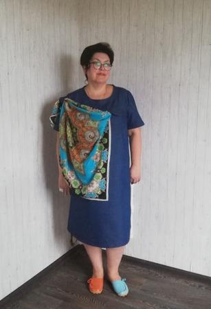 Фото. Джинсовое платье, драпировка платком.   Автор работы - Наталья-я