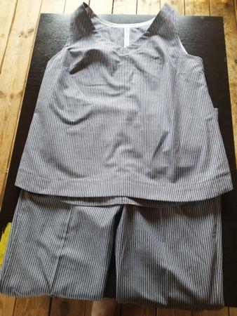 Фото. Костюм из льна, брюки-клеш и топ.   Автор работы - Юля Мячик