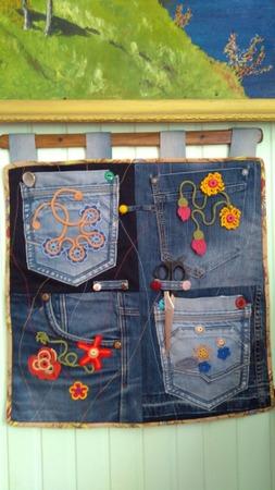 Фото. Органайзер из джинсовых кармашков. Автор работы - feerka