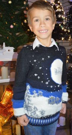 """Фото. """"Однажды зимней ночью""""... Рождественский джемпер для сына."""