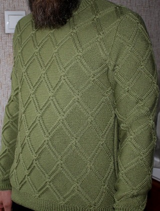 Фото. Пуловер сыну по фото. Пряжа Семёновская п/ш бобинная. Автор работы - Natalia444