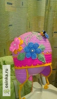 "Фото. ""Цветочная"" шапочка, связанная крючком. Автор работы - lenochka18l"