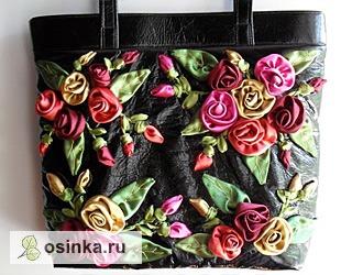 Фото. А эти сумки богато украшены вышивкой лентами и аппликациями. Автор работы - Astra-T61