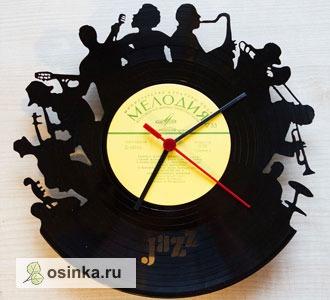 Фото. Часы для джазмена или любителя природы? Почему бы и нет! Авторские часы из виниловых пластинок от Sergejganza .
