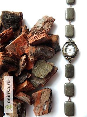 Фото. Браслет часов от ~Kattriss~ выполнен из натурального камня.