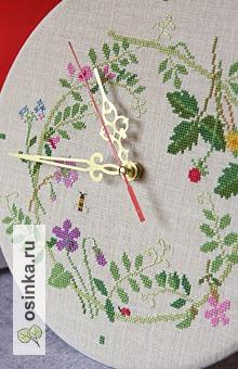 Фото. Эти замечательные вышитые крестиком часы украсят вашу кухню. Автор: Ulch4a .