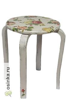"""Фото. Весна - самое время обновить мебель, чтобы обычный табурет преобразился. Табурет """"Розы"""", автор - Андрей Григ и жена ."""