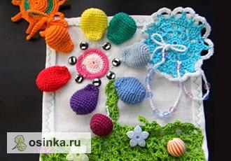 Фото. А эта салфетка - игровая, она поможет малышу выучить цвета. Автор - darina777 .
