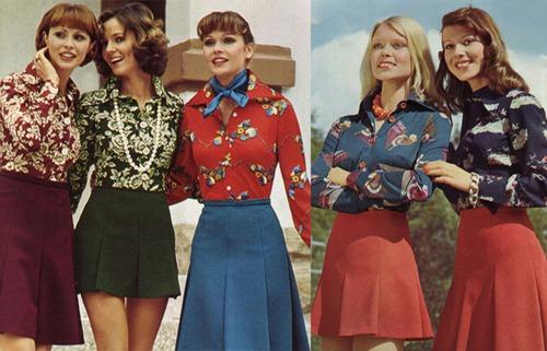 Фото. ...и с популярными в те годы юбками-трапеция разной длины.