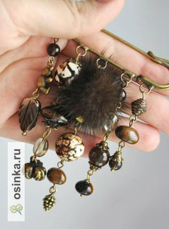 "Фото. Брошь-булавка  ""Vintage brown"": агат, раухтопаз, тигровый глаз, перламутр и мех норки. Автор  - Katya-design ."