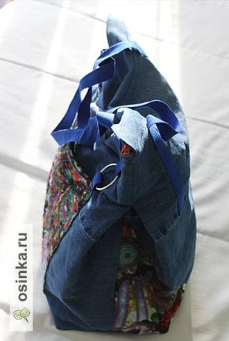 Фото. Одна пара джинсов, кусочек шифона, на подклад старая мужская рубашка, и пляжная сумка готова. Автор - Январка .