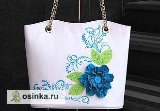 """Фото. Сумка """"Весенний бриз"""": натуральная кожа, вышивка и кожаные цветок в качестве украшения. Автор - sliva12 ."""