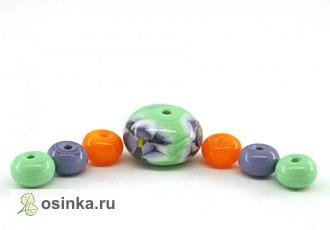 Фото. Самые популярные вещицы из стекла - конечно же, бусины. И удобно, что все они, как в этом наборе, подобраны по цветам и размерам. Автор - Ponarjushka .
