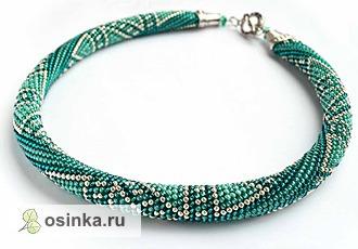 Фото. Как и стильный браслет из яркого жгута цвета морской волны с зеленым и серебром.  Автор - ovita .