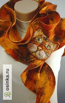 """Фото. Валяный шарфик и брошь-мордочка, получается забавный """"кошачий"""" комплект. Автор - Ольха1 ."""