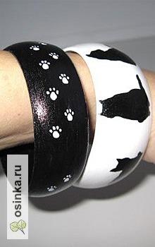 Фото. Комплект деревянных браслетов с кошками. Автор - Arwen_art .