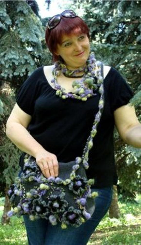 """Фото. Комплект """"Поющая в терновнике"""" (сумка, ожерелье).  Валяние. Вышивка лентами. Фриформ."""