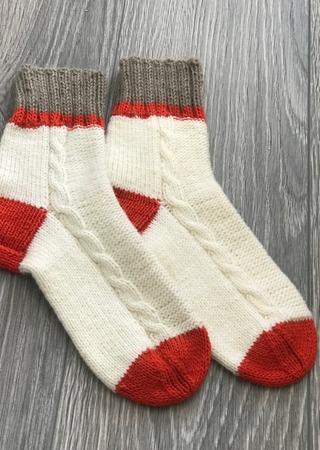 Фото. Вот такие стильные носки можно связать из остатков пряжи (Шерсть,акрил).  Автор работы - Ларачка