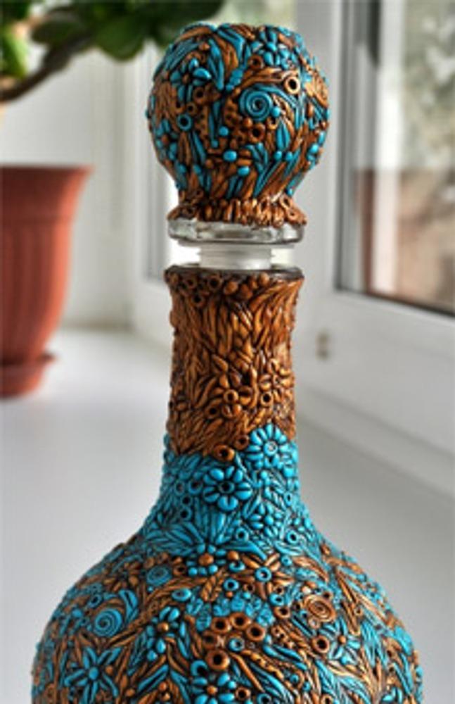 Фото. Автор работы - Lerok . Декоративная бутылочка в технике филиграни