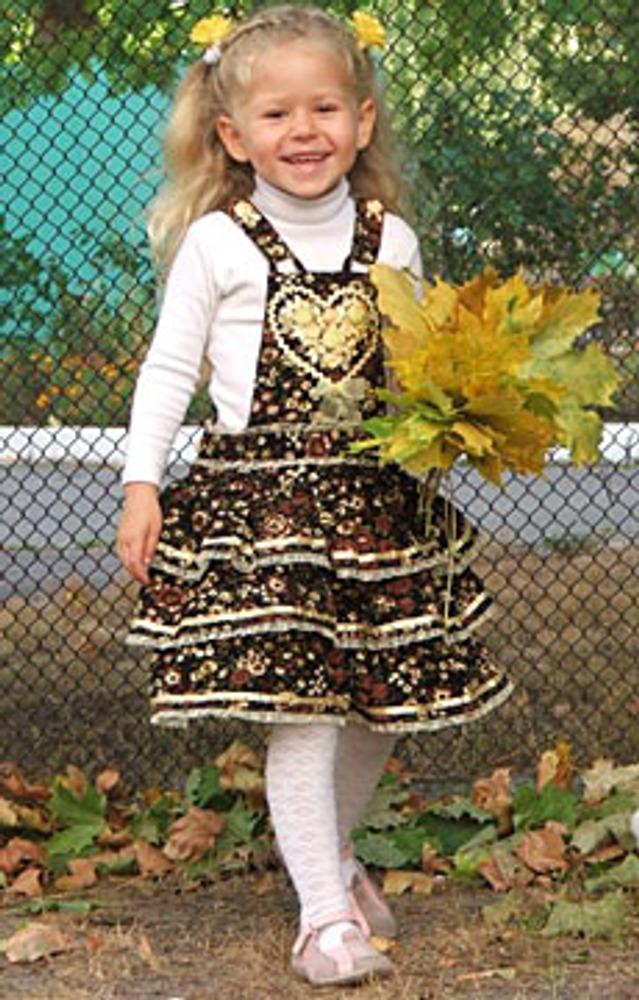 """Фото. Автор работы - Ле-ноК . Этот милый сарафанчик занял второе место на конкурсе сентября 2009 года """"Кружатся платья и сарафаны"""" в разделе Шьем детям"""