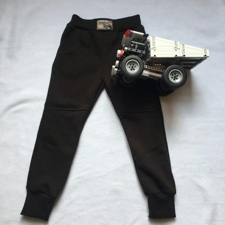 Фото. Штаны из 3-нитки для Макса.  Автор работы - MalTa