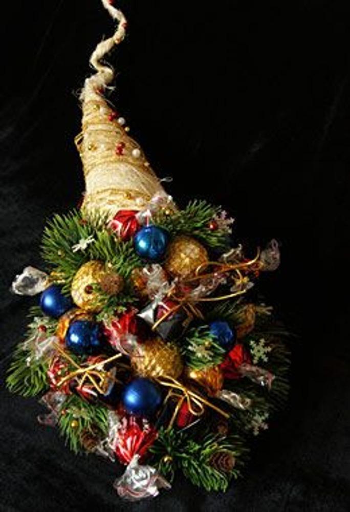 Фото. Автор работы - Lightik . Волшебный рожок, заполненный доверху разнообразными подарками, возможностями, желаниями и чудесными событиями - наилучшее пожелание в наступающем году!