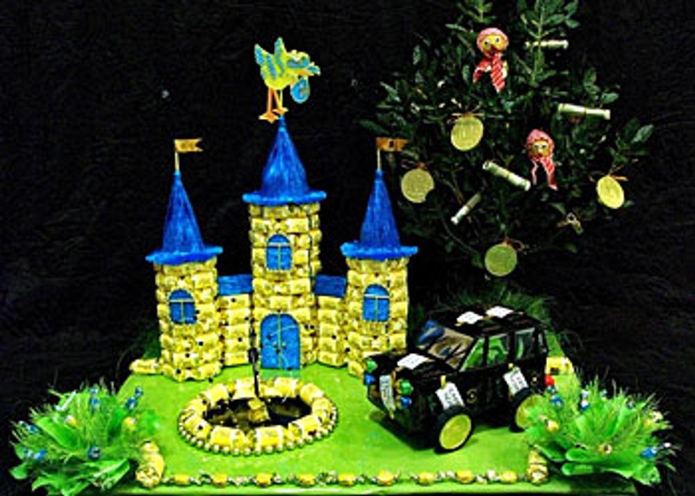Фото. Автор работы - АннаМария . Подарок-пожелание молодым на свадьбу: иметь не просто дом, а замок, ездить только на эксклюзивных машинах, зарабатывать бешеные деньги, иметь во дворе собственную нефтяную скважину и, конечно, детишек побольше.