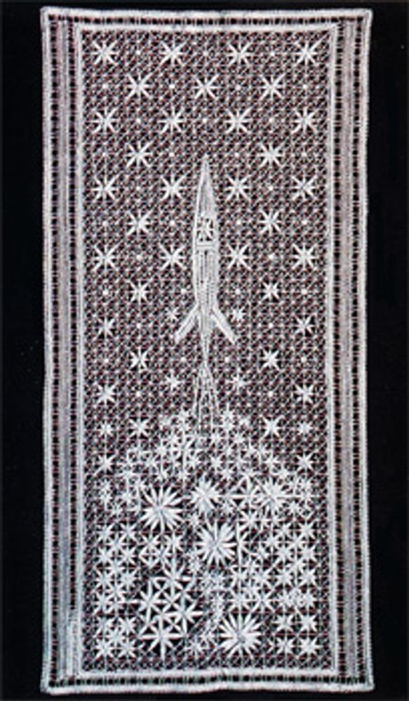 """Фото. А. А. Кораблева, Панно """"Космос"""",  1969 г. Вологда. Кружево."""