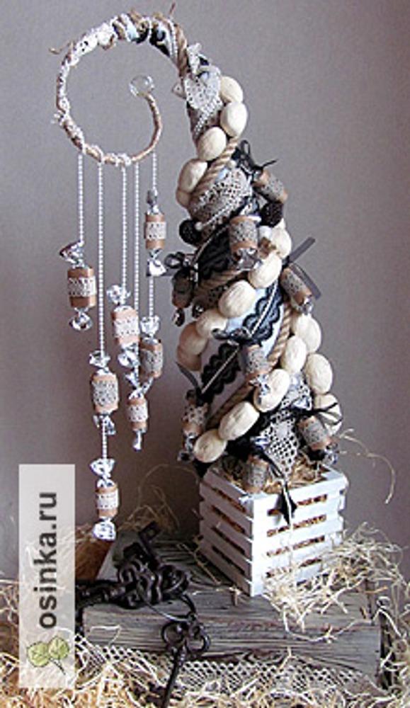 Фото. Топиарий кружевная елочка. Автор работы - artistnat .