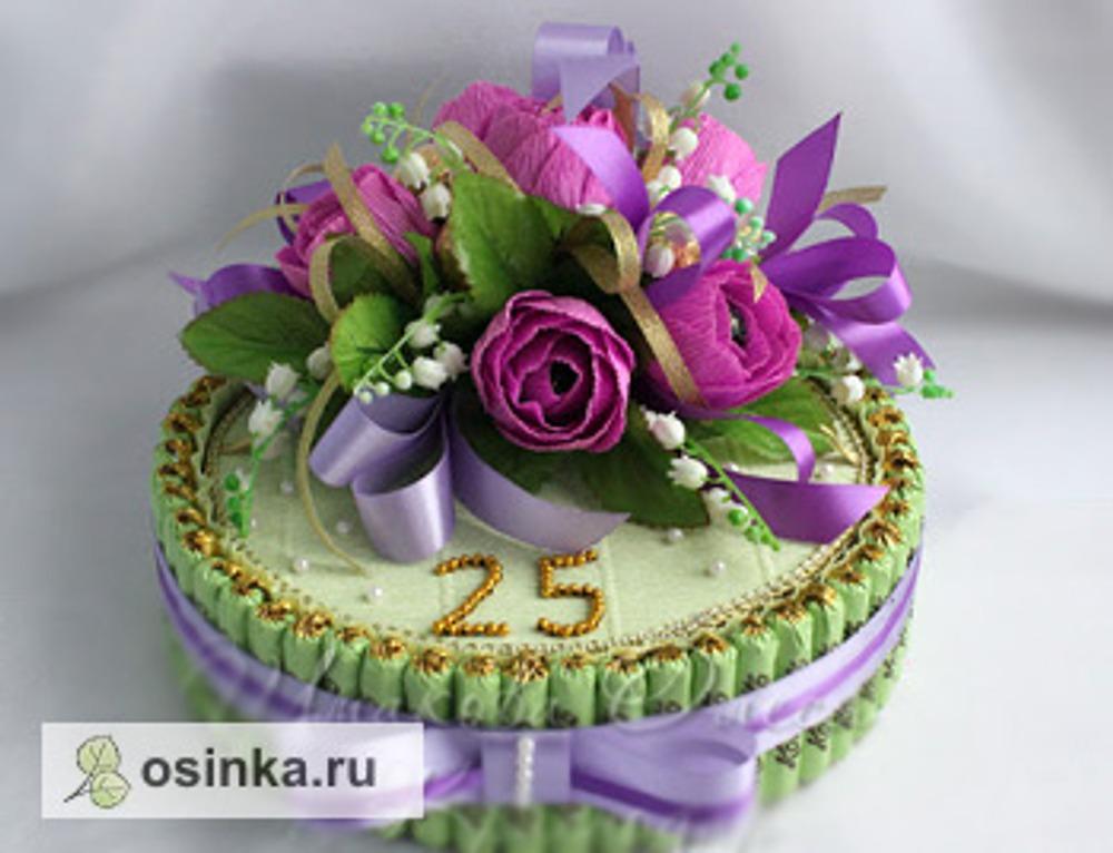 Фото. Из конфет мастерицы делают даже торты. Автор работы - lessa131079 .
