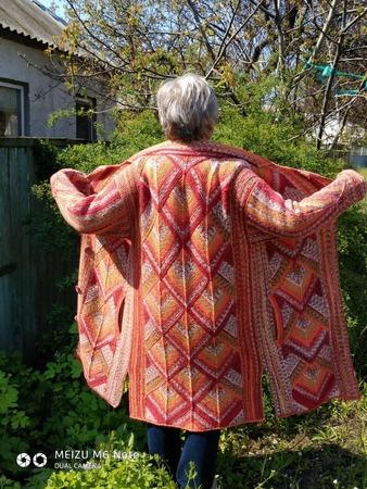Фото. А в результате получается дивное осеннее пальто в технике пэчворк.  Автор работы - nesta