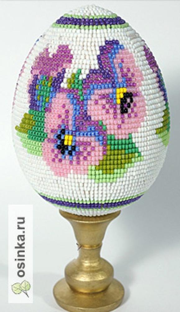 Фото. Пасхальное яйцо, связанное из бисера. Автор работы - МаскаИ .