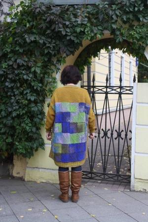 Фото. Сочетание пэчворка и обычного вязания.   Автор работы - Hozjaika