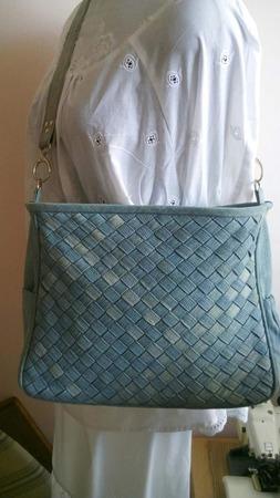 Фото. Плетеная сумка из старых джинсов. Автор работы - Elenavachal