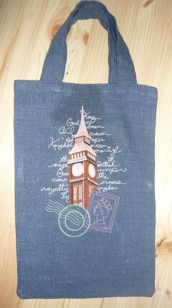 Фото. Дочке сумка в английский кружок - это понятно из вышивки. Автор работы - Нешта Анна
