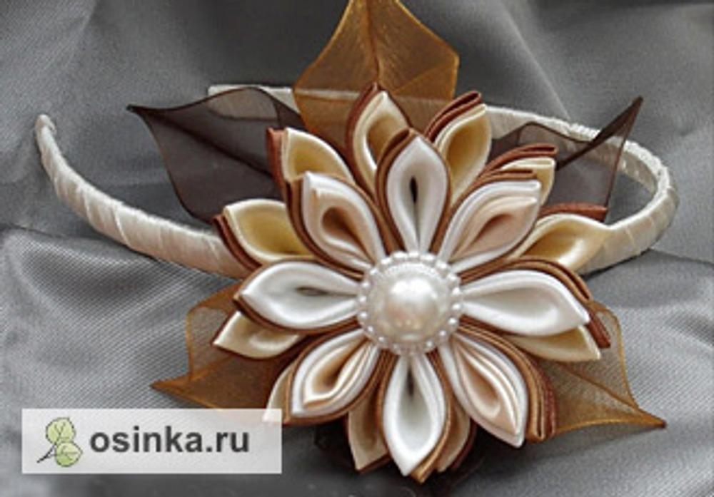 Фото. Ободок с цветком из атласа и органзы. Автор работы - natala .