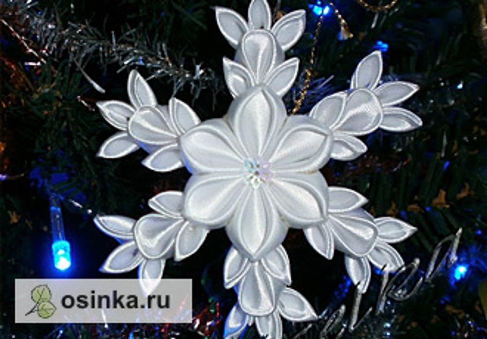 Фото. А это - снежинка на елочку. Автор работы - Gelka .