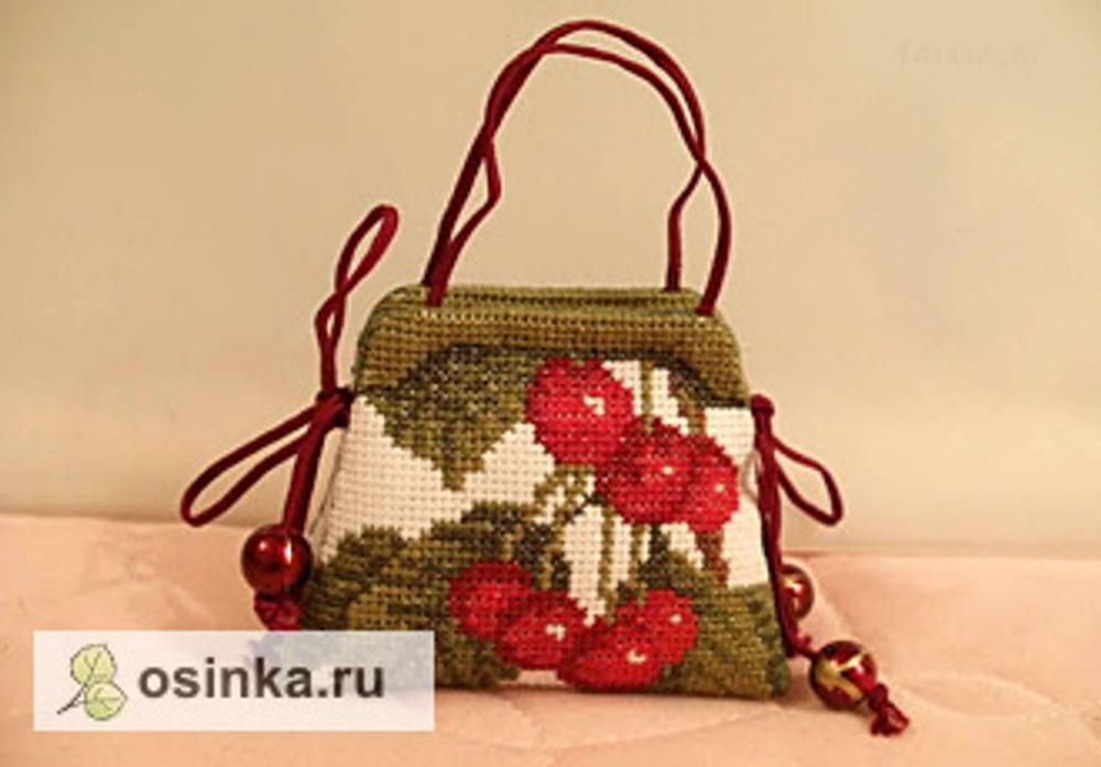 Фото. Как устроена сумочка-игольница, видно из схемы.