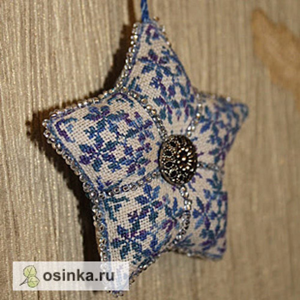 Фото. ... или вышивают бисером. Звездочка, автор - Babiya .